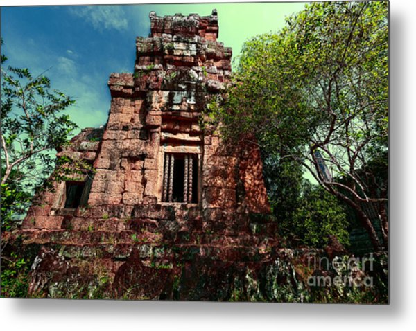 Ruin At Angkor Metal Print
