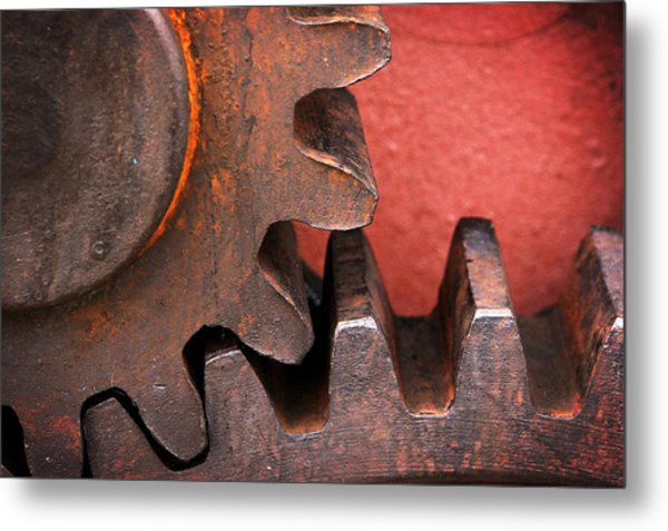 Rusty And Metallic Gear Wheel Metal Print