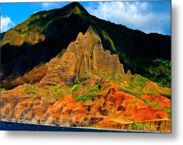 Sailing By Kauai Metal Print