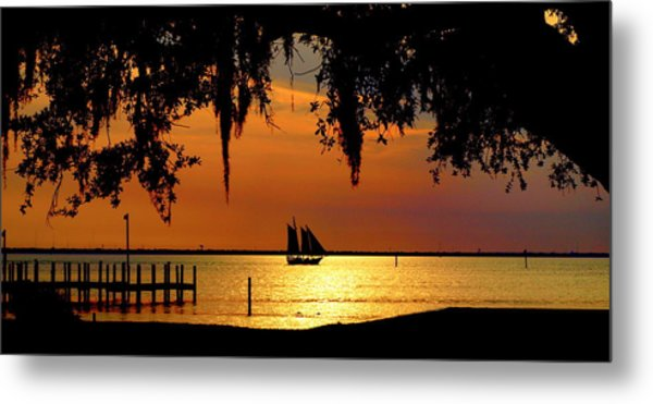 Sailing Destin Metal Print