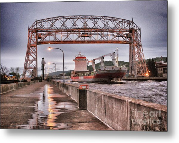 Sailing Through The Duluth Aerial Lift Bridge Metal Print
