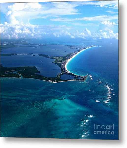 Shoreline-cancun Metal Print by Addie Hocynec