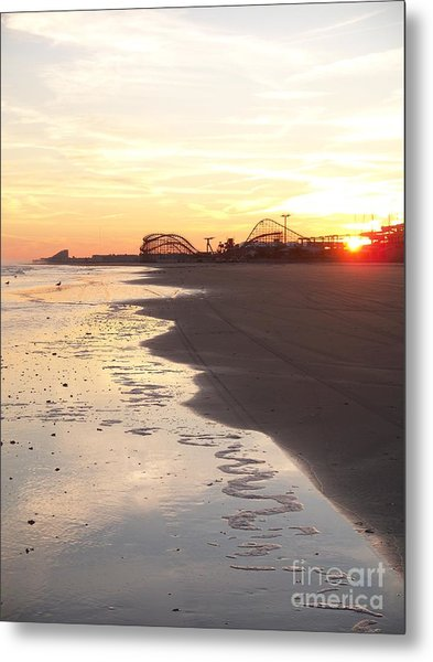 Shoreline Sunset Metal Print