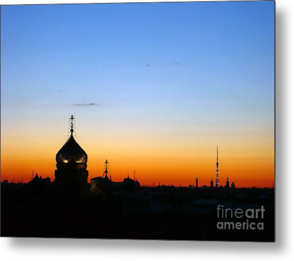 Silhouette In St. Petersburg Metal Print by Lars Ruecker