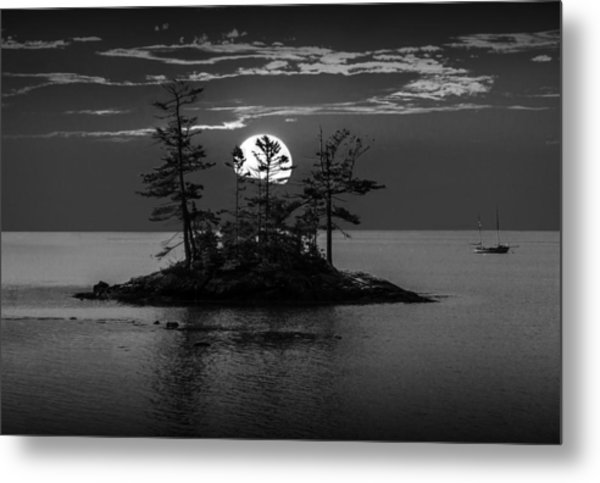 Small Island At Sunset In Black And White Metal Print