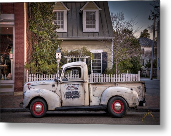 Smithfield Truck Metal Print by Williams-Cairns Photography LLC