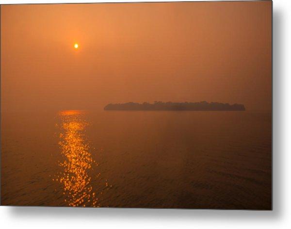 Smoky Sunrise Metal Print by Dan Vidal