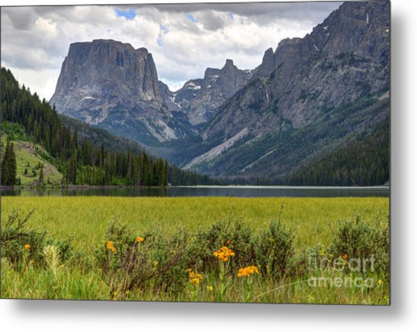 Squaretop Mountain And Upper Green River Lake  Metal Print