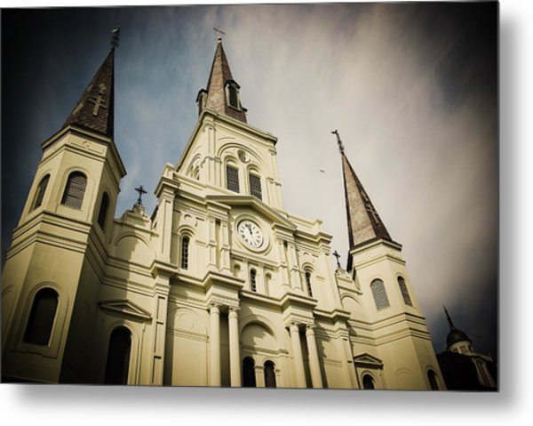 St Louis' Cathedral In New Orleans Metal Print by Ray Devlin