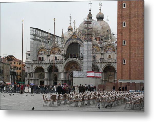 St Marks Bassilica Metal Print by Dick Willis
