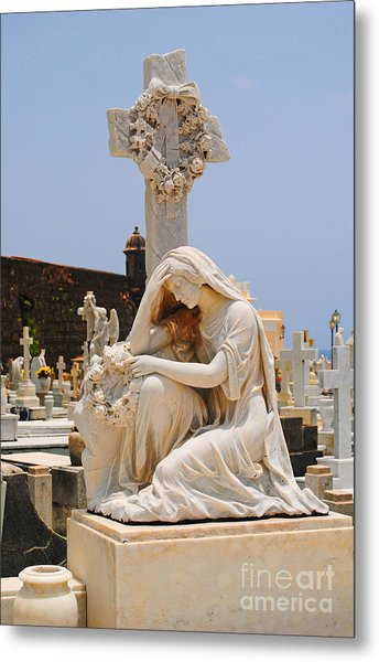 Statue Mourning Woman Metal Print