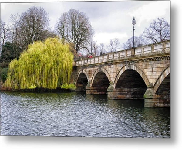 Stroll Along The Serpentine Metal Print