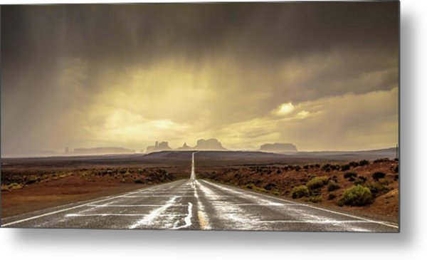 Strom In Monument Valley Metal Print