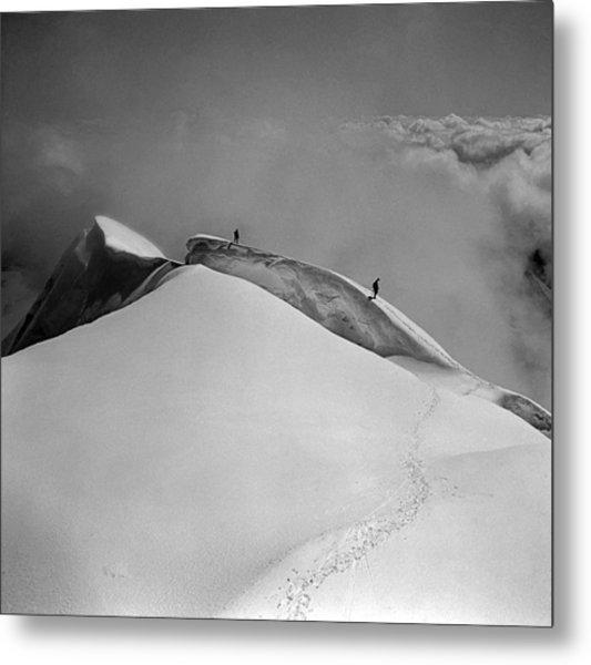 T-702412-bw-summit Of Mt. Robson Metal Print