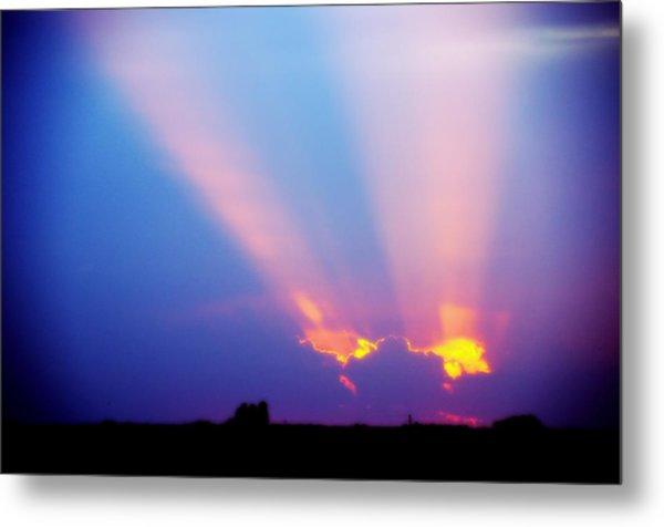 Sun Rays At Sunset Metal Print