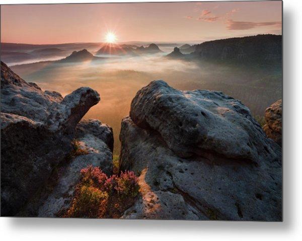 Sunrise On The Rocks Metal Print