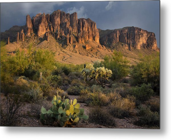 Sunset At The Superstition Mountains Metal Print