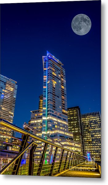 Supermoon Over Downtown Vancouver - By Sabine Edrissi Metal Print