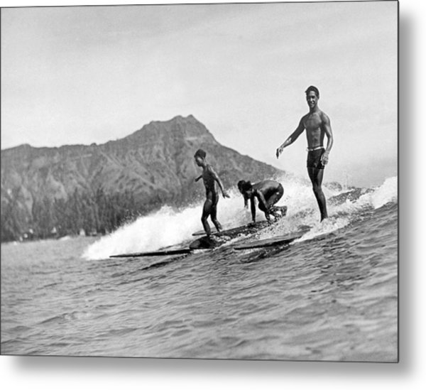 Surfing In Honolulu Metal Print