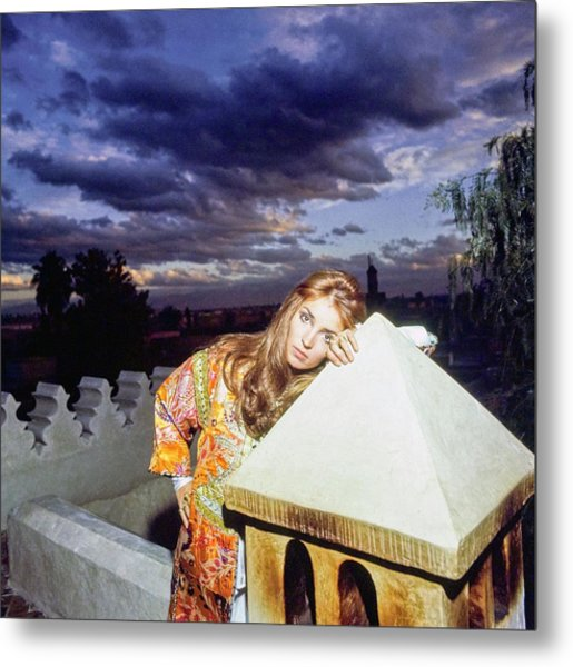 Talitha Getty Leaning On Lantern At Sunset Metal Print