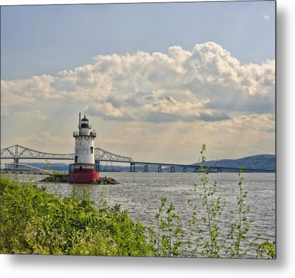 Tarrytown Lighthouse And Tappan Zee Bridge Sleepy Hollow Ny Metal Print