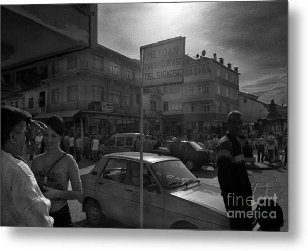 Taxi Point Metal Print by Candido Salghero