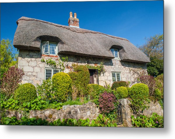 Thatched Cottage Godshill Isle Of Wight Metal Print by David Ross