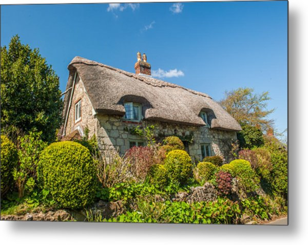Thatched Cottage Niton Isle Of Wight Metal Print by David Ross