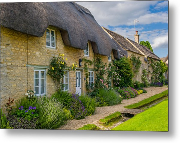 Thatched Cottages Minster Lovell Oxfordshire Metal Print by David Ross