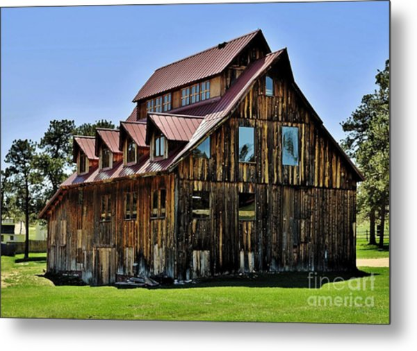 The Aldefer Barn Metal Print by Leianne Wilson