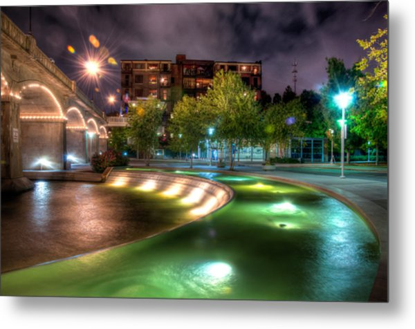 The Curved Fountain Metal Print