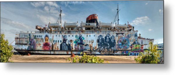 Metal Print featuring the photograph The Duke Of Graffiti by Adrian Evans