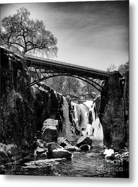 The Great Falls Of Paterson In Black And White Metal Print
