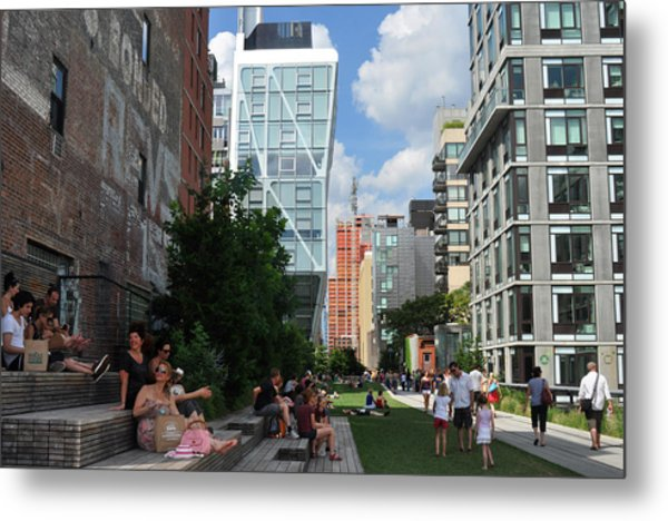 The High Line Metal Print by Diane Lent