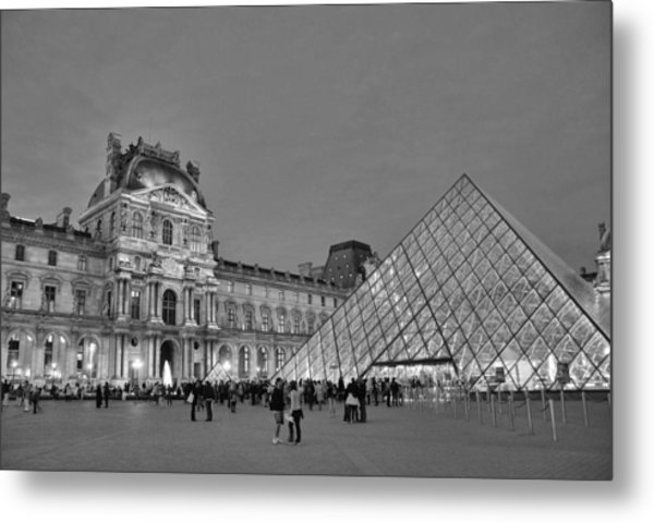 The Louvre Black And White Metal Print