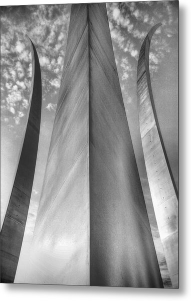 The Usaf Memorial In Black And White Metal Print