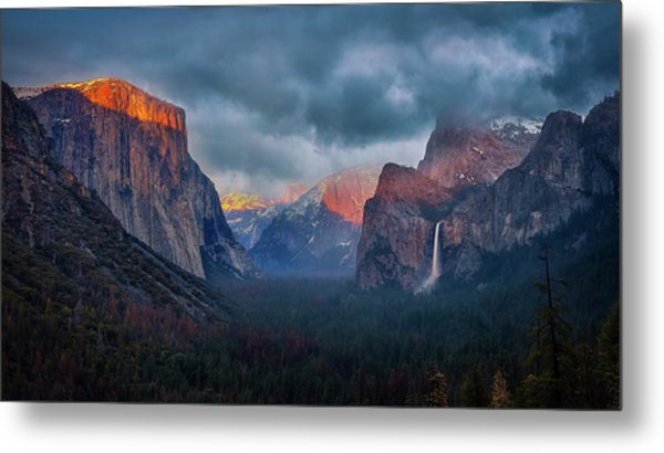 The Yin And Yang Of Yosemite Metal Print
