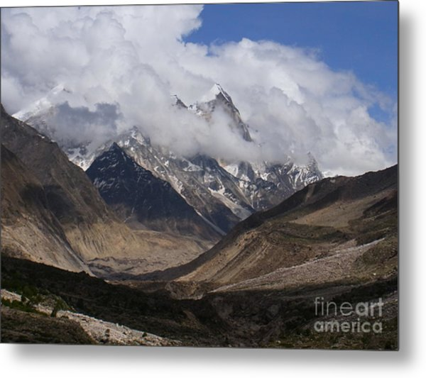 Towards Bhagirathi Metal Print
