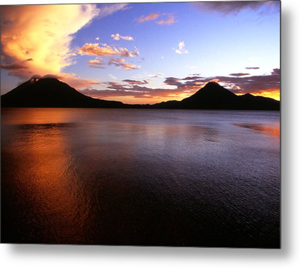 Tres Volcans At Sunset Metal Print