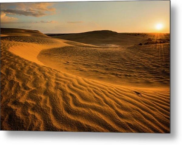 Usa, Oregon, Lake County, Sunrise Over Metal Print by Gary Weathers