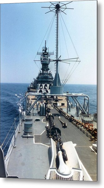 Uss Iowa At Sea Metal Print
