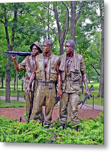 Vietnam War Memorial Three Servicemen Statue In Washington D.c. Metal Print
