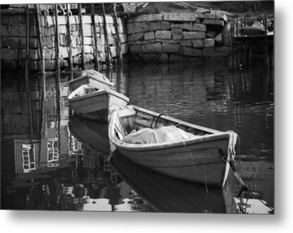 Waiting In Line Metal Print by Don Powers
