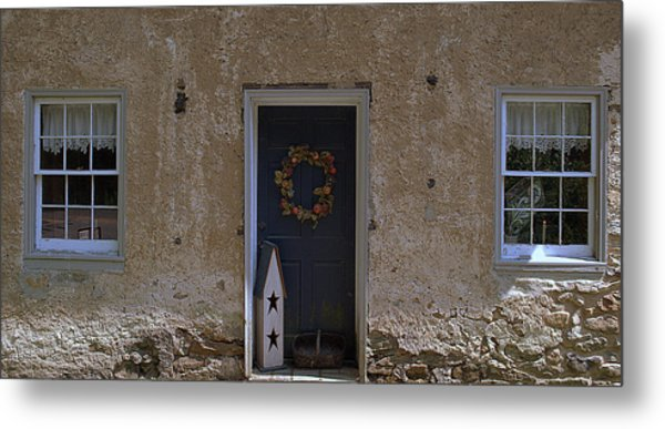 Walls And Windows Metal Print by M Hess