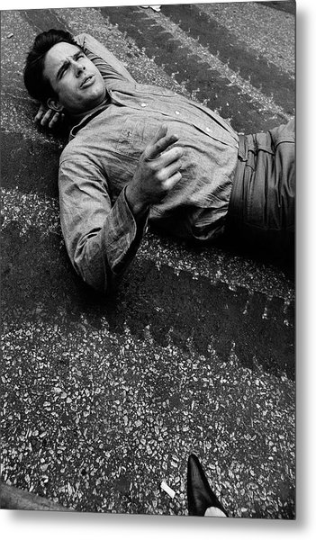 Warren Beatty Lying On The Ground Metal Print