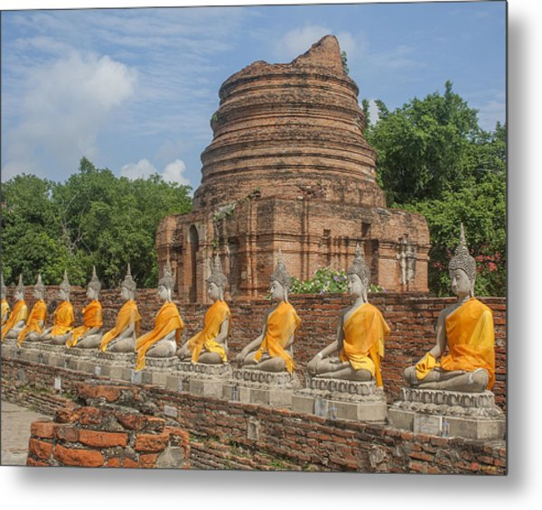 Wat Phra Chao Phya-thai Buddha Images And Ruined Chedi Dtha005 Metal Print