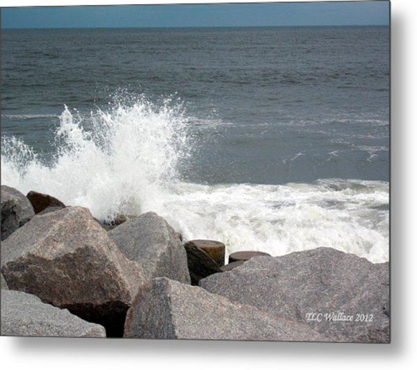 Wave Breaks On Rocks Metal Print by Tammy Wallace