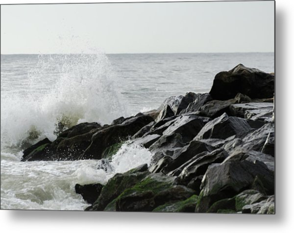 Wave On Rocks Metal Print