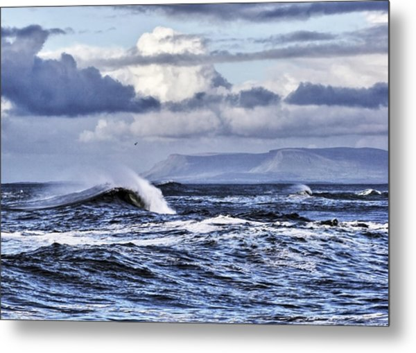 Waves In Easkey Metal Print by Tony Reddington