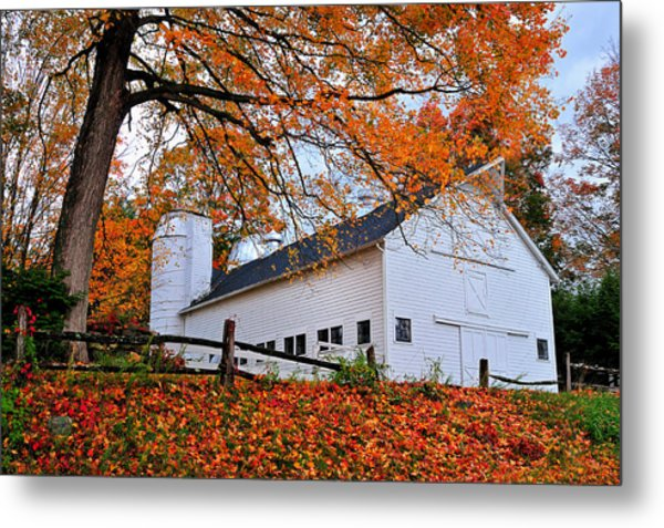 White Barn And Silo Metal Print